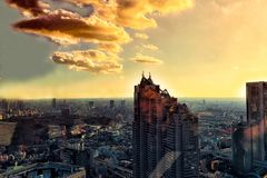 Небоскребы правительства и Shinjuku токио столичные стоковые изображения rf
