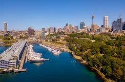 Небоскребы Сиднея и ботанический сад Стоковые Изображения