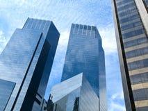 небоскребы стекла отражая Стоковые Изображения