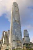 Небоскреб горизонта финансового центра IFC Гонконга центральный Стоковая Фотография