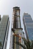 небоскреб Дубай конструкции вниз стоковая фотография rf
