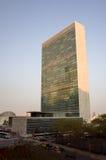 Небоскреб секретариата Организации Объединенных Наций ООН осмотренный от города Tudor Стоковая Фотография RF