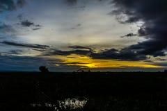 Небо вечера, небо захода солнца, пышное небо, облачное небо, красивое Стоковая Фотография RF