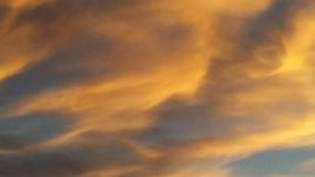 Небо вечера Ниагары со свирлью стоковое фото rf