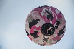 небо воздушного шара цветастое горячее Стоковая Фотография