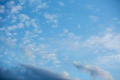 Небо в белых облаках Стоковые Фото
