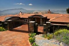 небо горы дома предпосылки Стоковое Фото