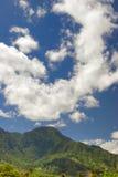 небо гор под долинами Стоковые Изображения RF
