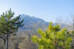 Небо гор туманное белое голубое Китайские горы осени Стоковые Изображения