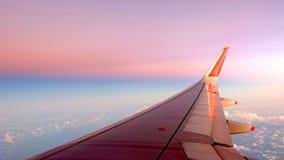 Небо градиента крыла самолета Стоковое Фото
