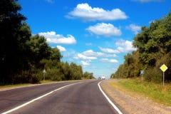 небо дороги голубого серого цвета Стоковая Фотография RF