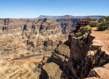 Небо западной оправы гранд-каньона голубое, летний день - Аризона, AZ Стоковые Фото