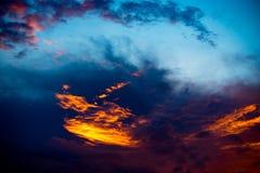 Небо захода солнца, драматическое небо с облаками Стоковое Изображение