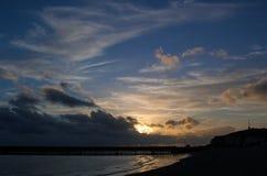Небо захода солнца на New Haven с облаками стоковые фотографии rf