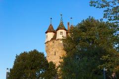 небо захода солнца осени столбца башни schwaebischgmuend голубое Стоковое фото RF