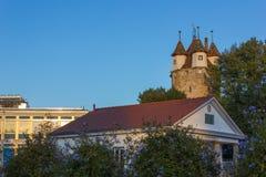 небо захода солнца осени столбца башни schwaebischgmuend голубое Стоковое Изображение RF