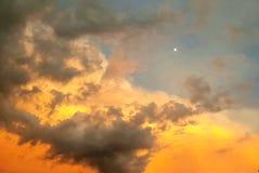Небо захода солнца после шторма Стоковые Изображения