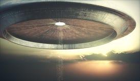 Небо захода солнца UFO корабля чужеземца Стоковые Фотографии RF
