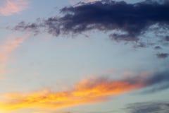Небо захода солнца красочное 1 предпосылка заволакивает пасмурное небо Стоковое Изображение RF