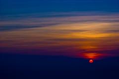 Небо захода солнца на национальном парке Phukradueng стоковые изображения