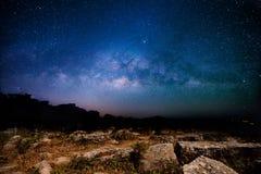 Небо звездной ночи с млечным путем Стоковые Фото