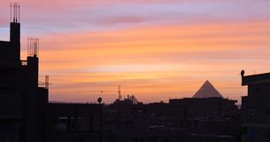 Небо зимы над пирамидами Гизы стоковое изображение rf