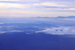 Небо и гора Стоковое фото RF