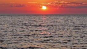 Небо и море захода солнца сток-видео