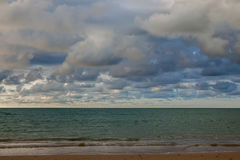 Небо и облака перед приходить дождя Стоковое Фото