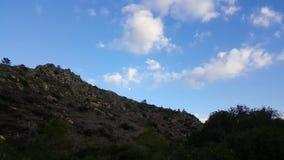 Небо и пейзаж утесов, среднеземноморской ландшафт природы, национальный парк Carmel Стоковые Изображения RF
