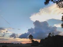 Небо и поле Стоковые Изображения RF