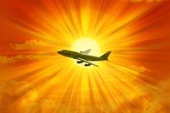 небо летания самолета стоковые изображения rf