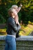 небо мати взгляда ребёнка Стоковое Изображение