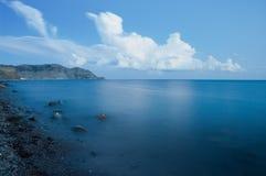 Небо моря и облака голубое стоковая фотография