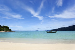 небо моря пляжа голубое Стоковая Фотография RF