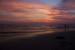 Небо на огне на заходе солнца Стоковое фото RF