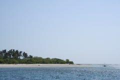 небо необитаемого острова пляжа голубое Стоковое фото RF
