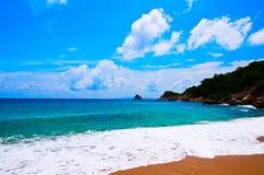 небо острова пляжа голубое Стоковая Фотография