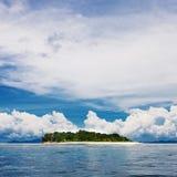 небо острова пляжа совершенное тропическое Стоковые Изображения