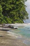 Небо острова Havelock голубое с белыми облаками, Андаманскими островами, Ind Стоковые Фотографии RF