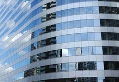 небо отражения здания стоковое изображение rf