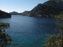 Небо побережья Эгейского моря лазурное голубое, величественный ландшафт Стоковая Фотография RF