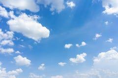небо предпосылки голубое естественное Стоковые Изображения