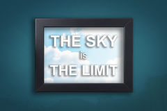 Небо предел в предпосылке неба стоковые фото