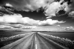 небо Сицилии дороги панорамы страны облаков сини воздуха открытое Стоковое Изображение