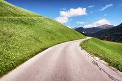 небо Сицилии дороги панорамы страны облаков сини воздуха открытое Стоковые Изображения RF
