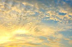 Небо сумрака, красивое cloudscape Стоковые Изображения