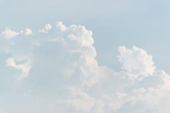 Небо с белым облаком стоковая фотография rf