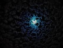 Небо с голубой луной стоковое фото rf