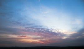 Небо с облаками в вечере Стоковая Фотография RF